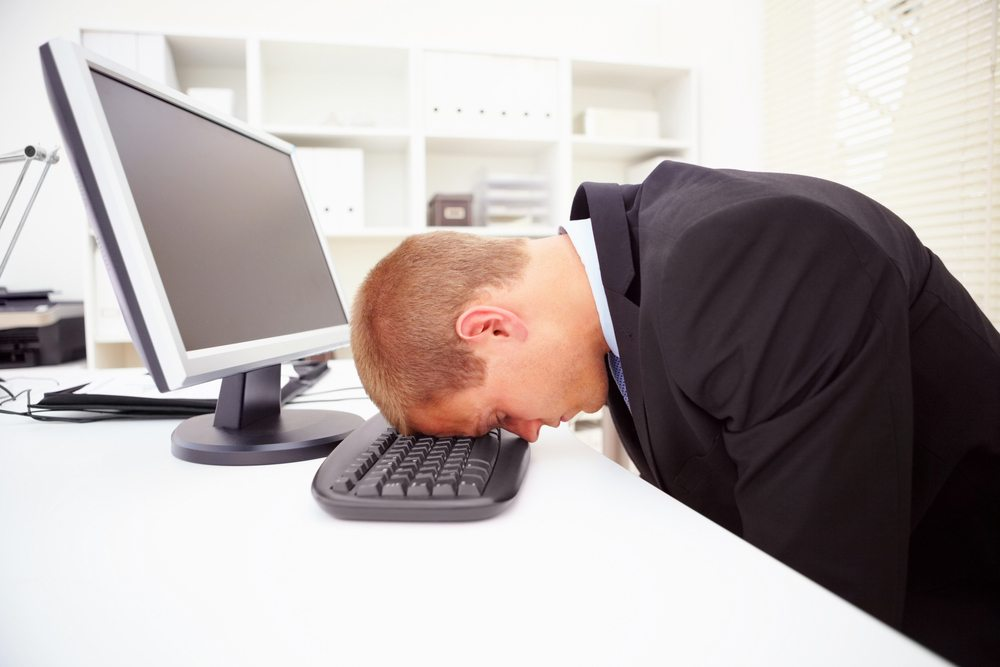 Сидящие на удалёнке теперь говорят, что постоянная переписка и уведомления хуже поездок на работу