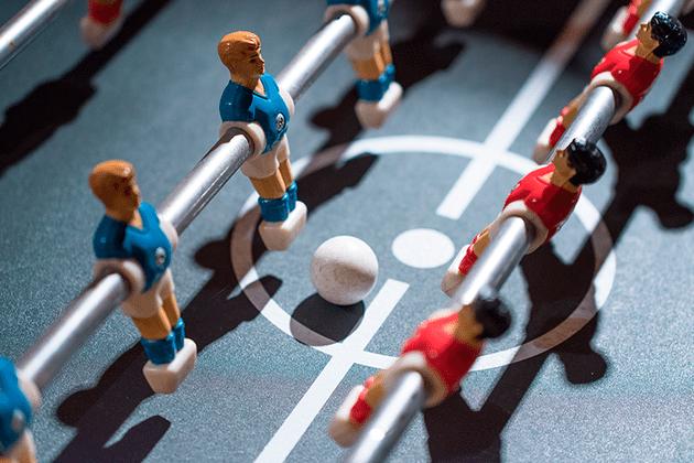 Почему тренинги, бесплатный фитнес и чёртов кикер в офисе — абсолютное зло