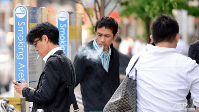 Японская компания дала некурящим сотрудникам шесть дополнительных дней отпуска за переработку из-за чужих перекуров