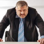 «Всё, увольняйся»: руководители назвали три причины для увольнения сотрудников