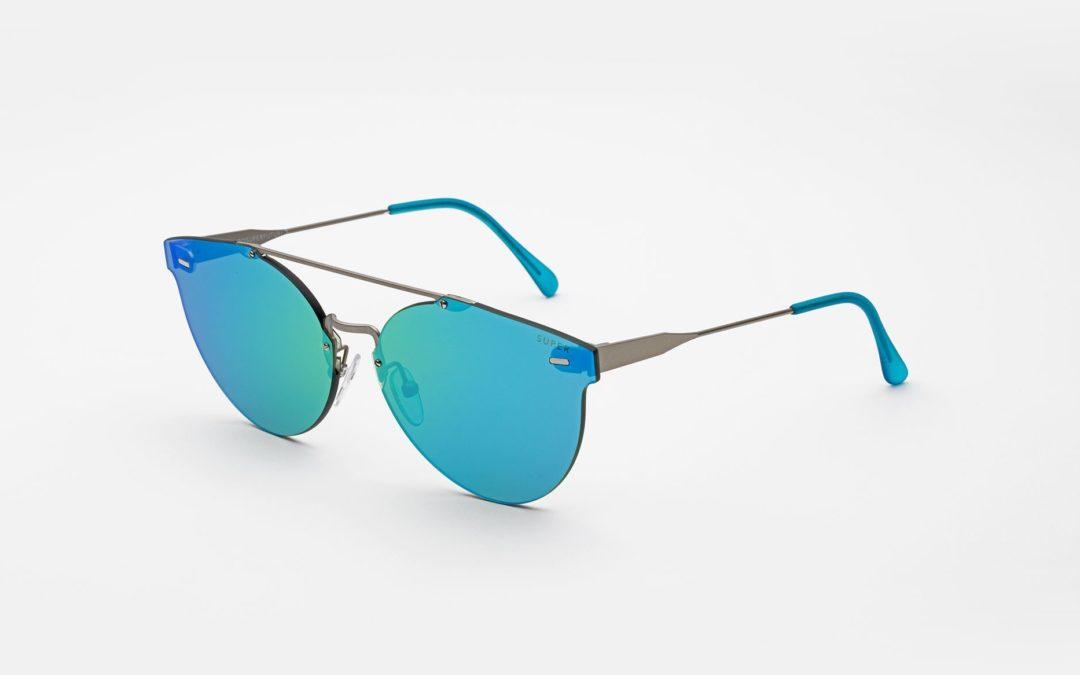 Бирюзовые очки. Как отказ от иерархии разрушает компании
