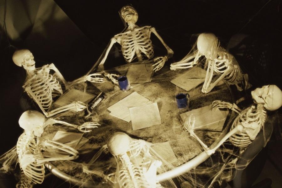 Смерть через «совещание»