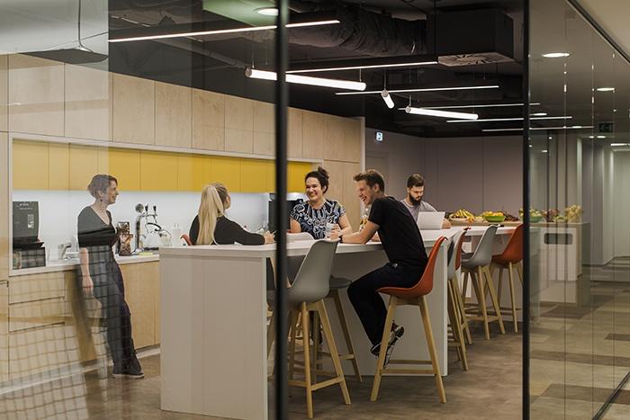 Нашим сотрудникам предлагали работу Google и Amazon, но они остались в компании. Как собрать сплоченную команду?