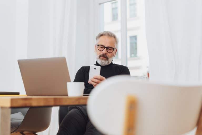 Исследование: сотрудники старше 40 оказались продуктивнее более молодых коллег на удаленке